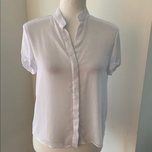 Alice &Olivia collarless short sleeved blouse!